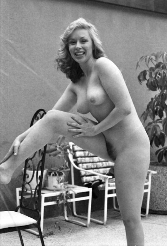 Vintage nude blog