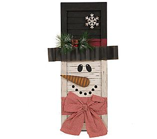 This wooden snowman shutter decor will quickly become your favorite accent piece this holiday season! From Glitzhome.