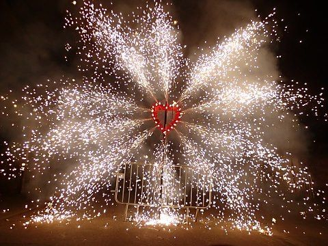 Set Your Heart Alight With A Beautiful Set Piece Firework