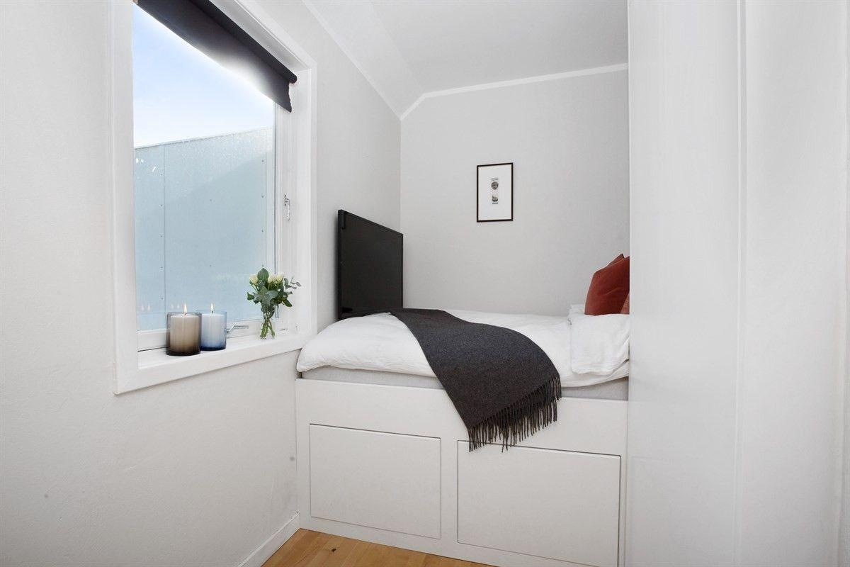 FINN – TOPPLEILIGHET VIKA/ SKILLEBEKK - Lys og pen 2-roms selveierleilighet med stor, privat takterrasse på 11 m² og heis. Lave felleskostnader.