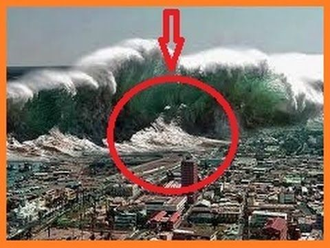 Biggest Tsunami In The World Largest Tsunami Monster Tsunami Worst Tsunami Caught On Tape Tsunami Tsunami Natural Disasters Extreme Weather