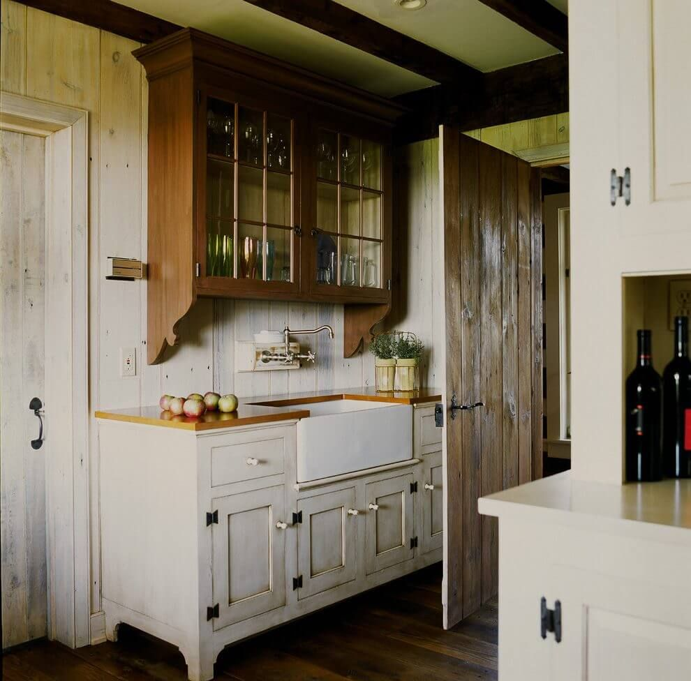 35 Farmhouse Kitchen Cabinet Ideas To Create A Warm And Welcoming Kitchen Design In Your Home Vintage Kitchen Cabinets Rustic Kitchen Cabinets Kitchen Cabinetry Design