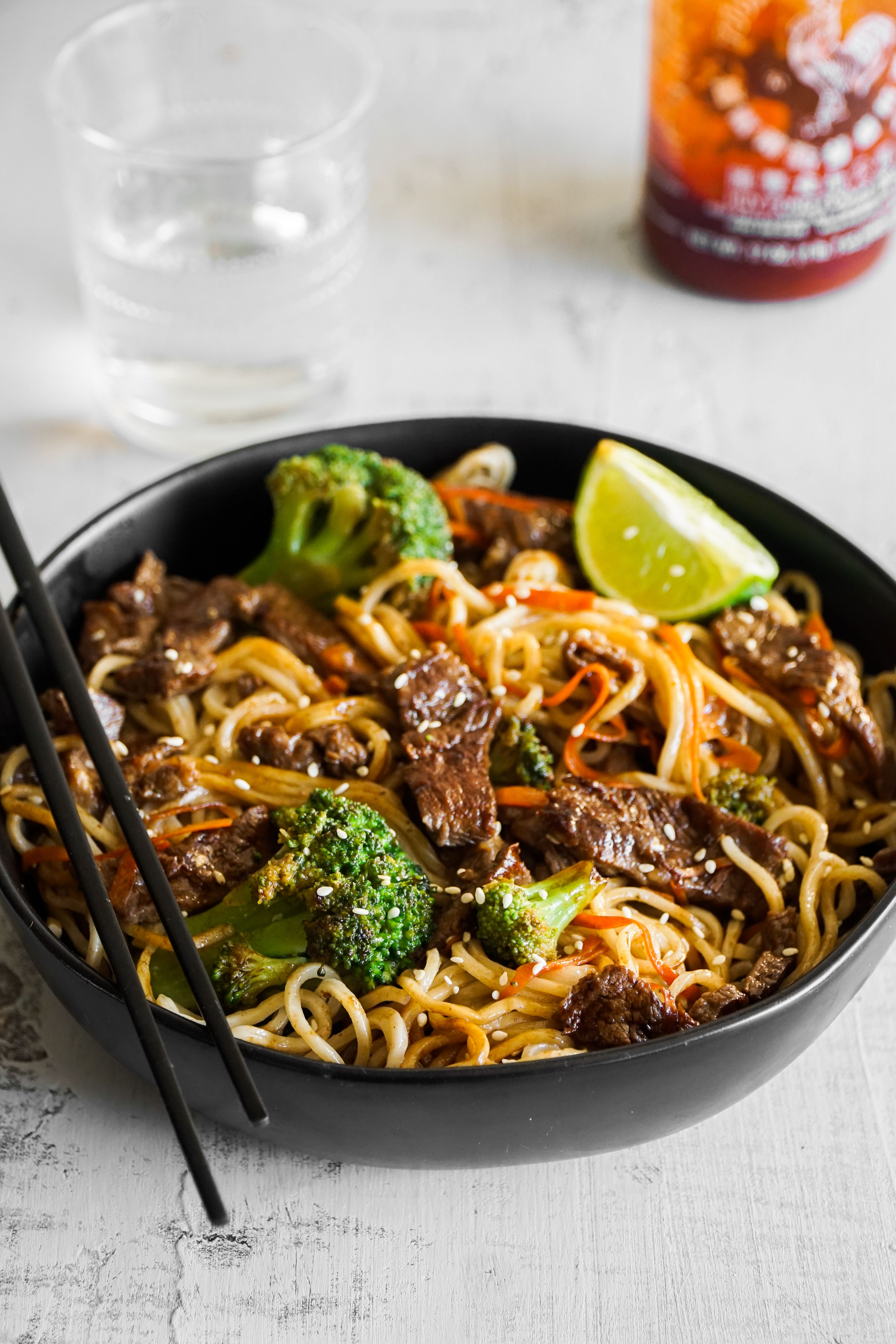 Easy Beef Lo Mein Tomatoes Easy Beef Beef Lo Mein Recipe Lo Mein Recipes