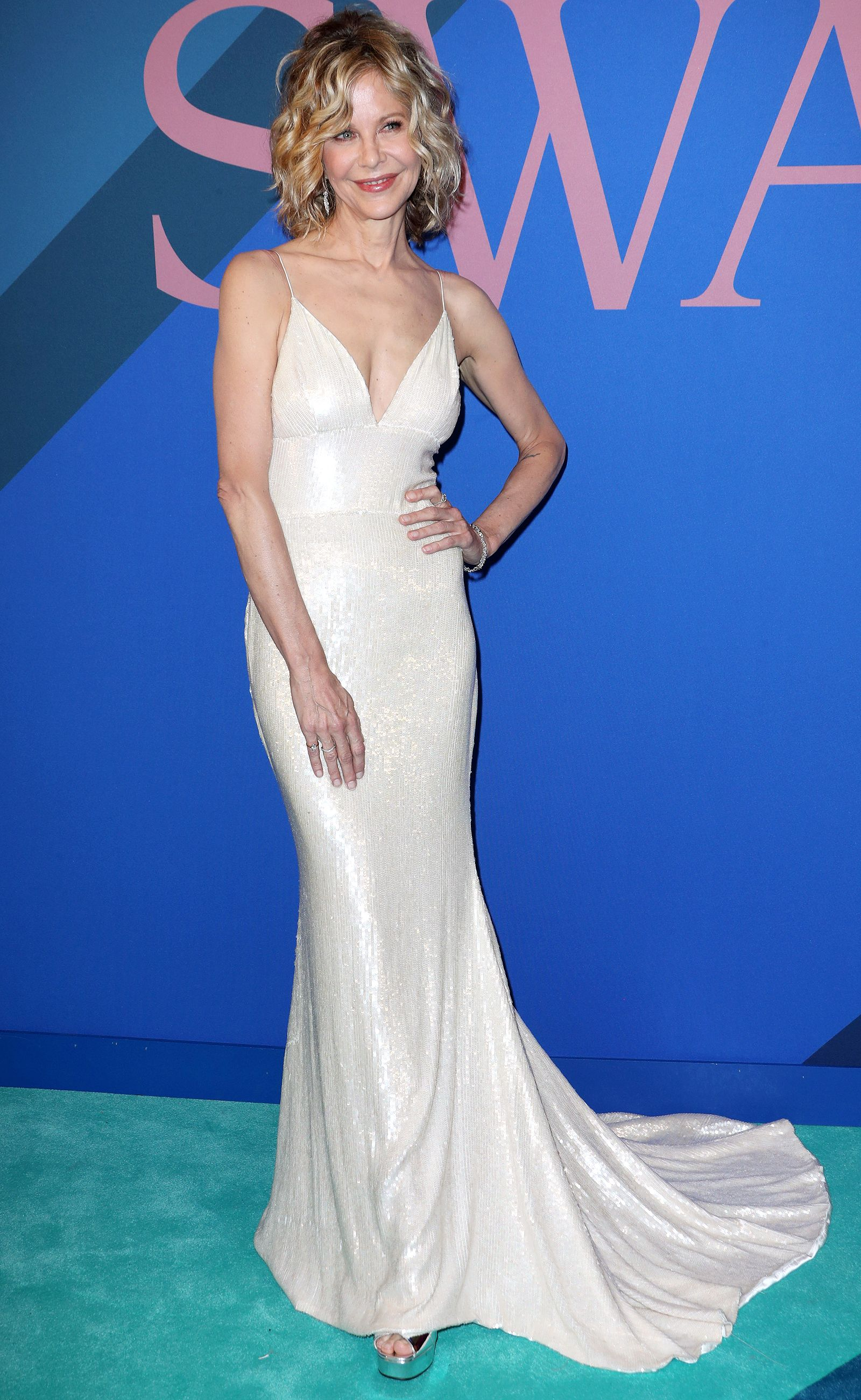 Meg Ryan, 55, Makes a Surprise Appearance at the CFDA Awards in Sexy ...