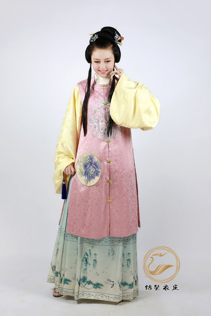 Ming Dynasty Women S Gown Traditional Clothing Of China