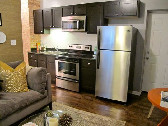 I Wish Our 320 Sq Ft Apt Looked Like This 300 Sq Ft One Apartment Small Kitchen Small Spaces