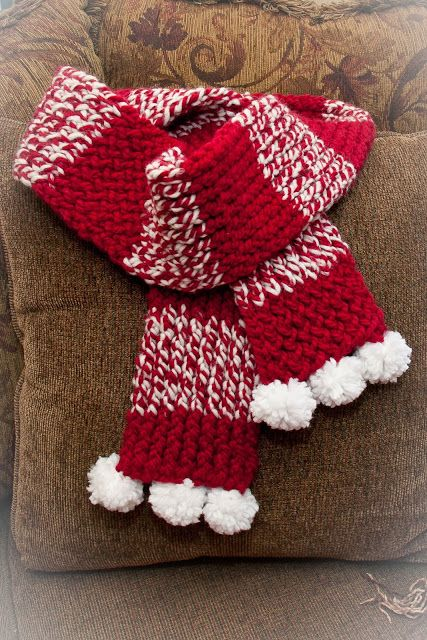 LOOM KNIT HOLIDAY SCARF free pattern.  #loomknitscarve #freeloomknittingpatterns…