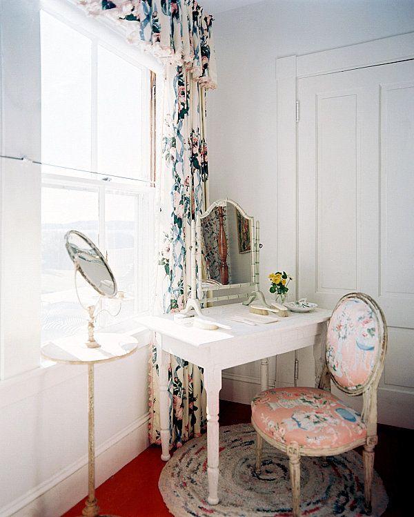 17 Best images about Old fashioned bedroom on Pinterest | Vintage ...