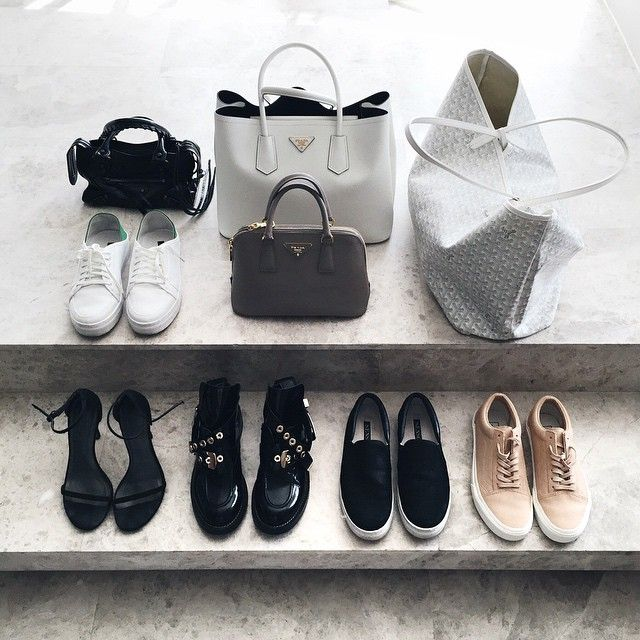 All the accessories I packed for the 2 weeks I'm in Beijing - obv I'm more of a sneaker girl