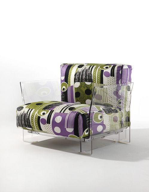 Etro • Meneghina Poltrona Pop (design Piero Lissoni) con struttura in policar...