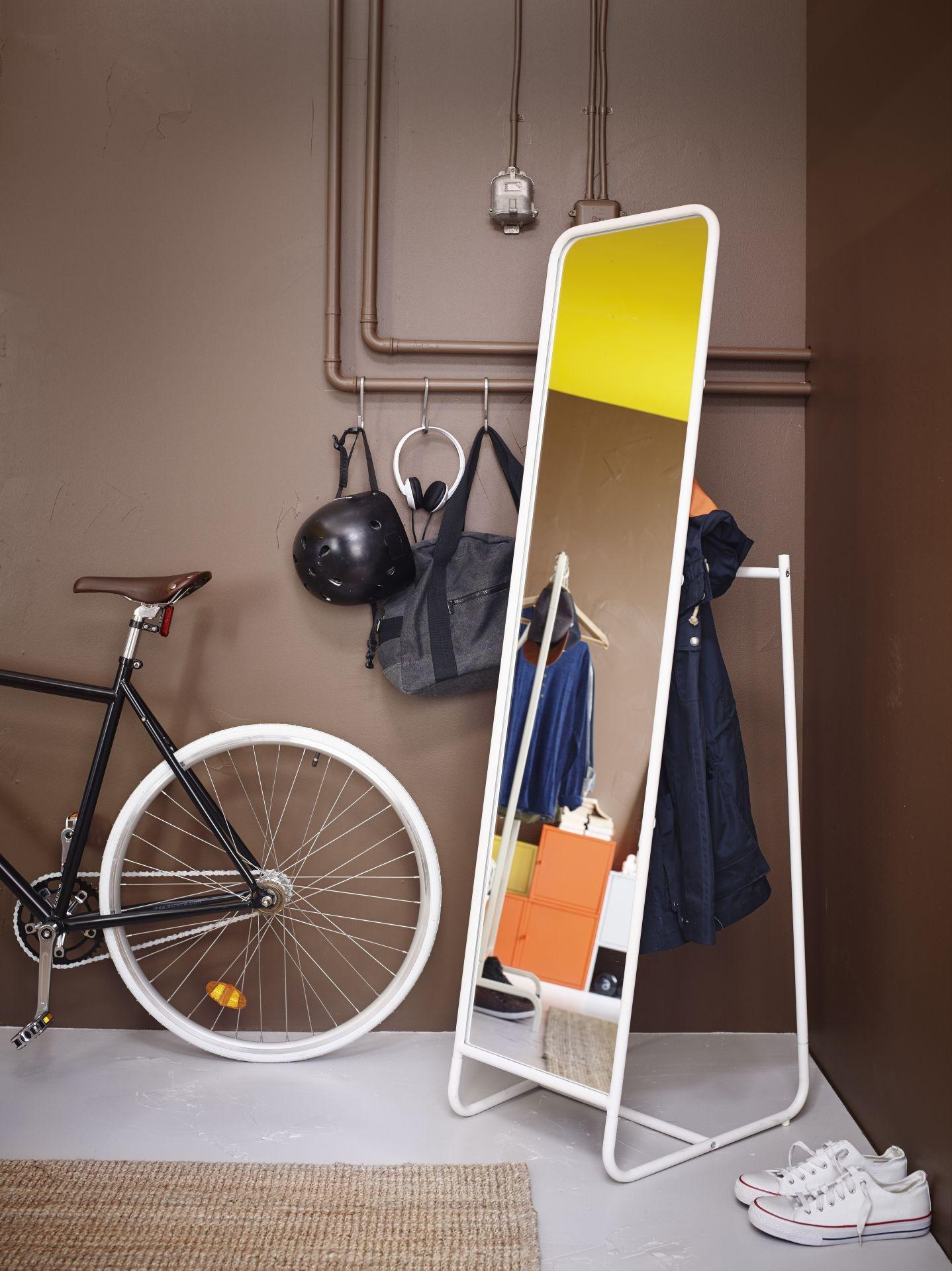 knapper staande spiegel wit mirror ikea home furniture e home furnishings. Black Bedroom Furniture Sets. Home Design Ideas