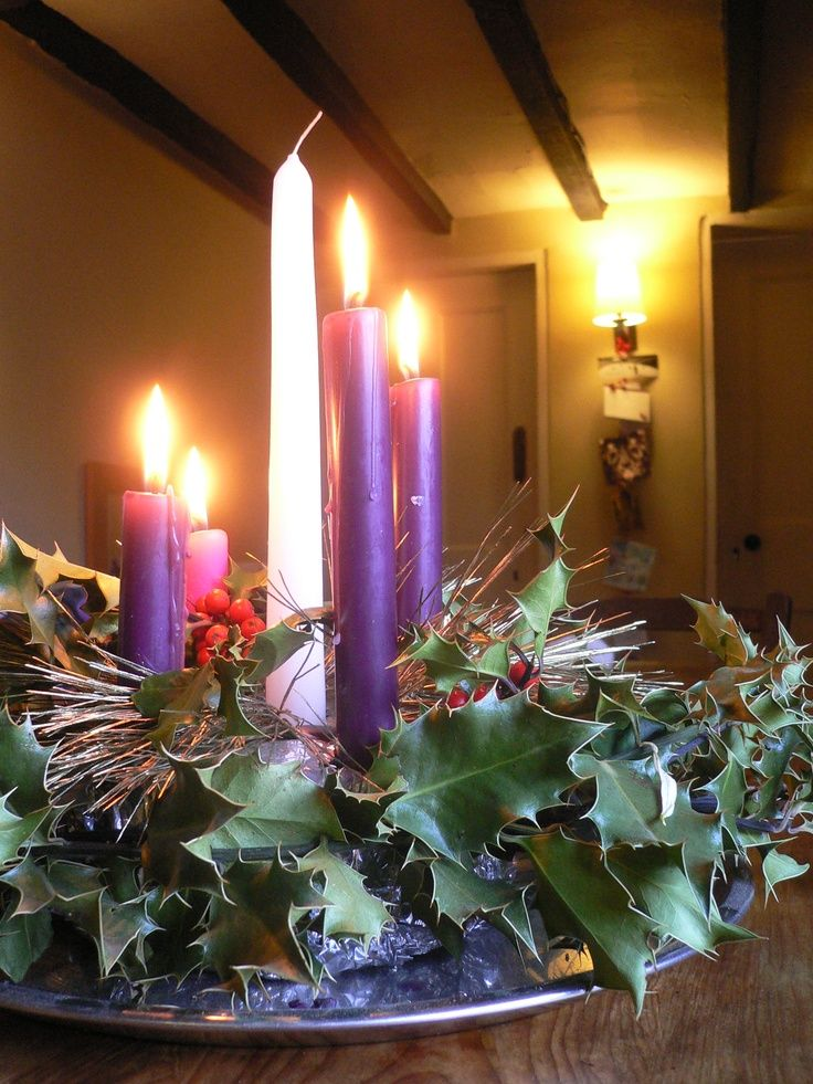 Advent wreath with holly christmas and winter - Pinterest advent ...