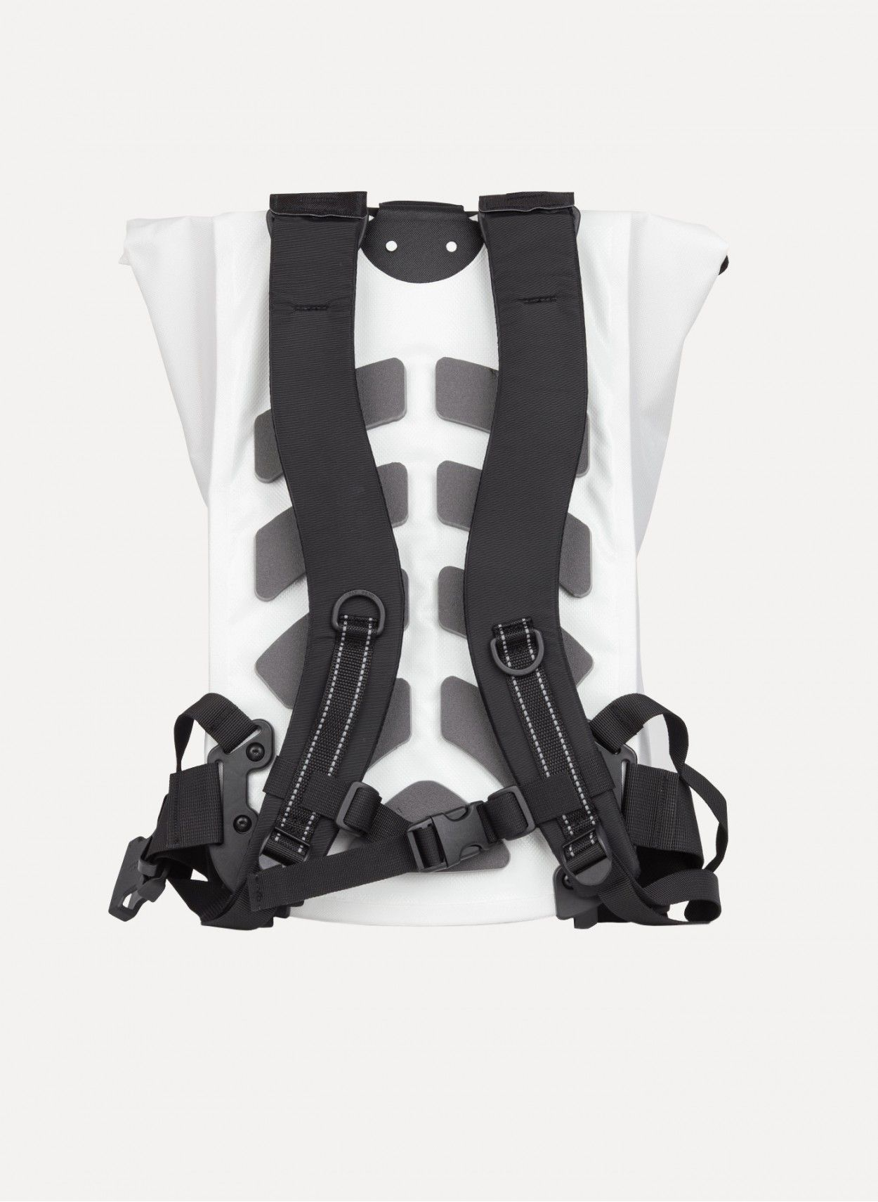 11 by Boris Bidjan Saberi - VELOCITY Messenger Backpack https://cruvoir.com/11-by-bbs-boris-bidjan-saberi/4354-velocity-messenger-backpack-white