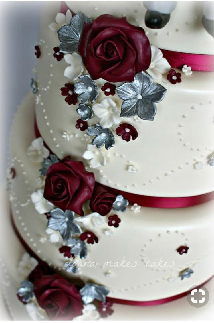 This Is What I Want For My Cake Wedding In 2019 Burgundy Wedding