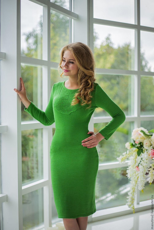 c09c3852d10 Купить или заказать Платье  Зеленый луг  в интернет-магазине на Ярмарке  Мастеров.