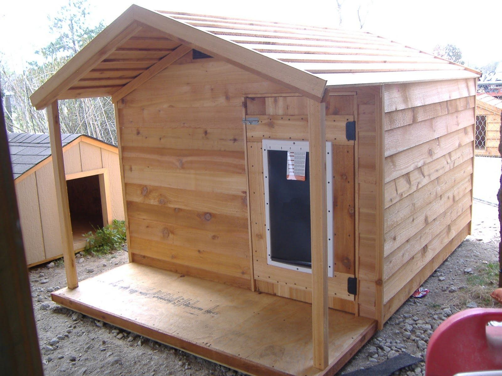 Rustic Dog House With Images Insulated Dog House Big Dog