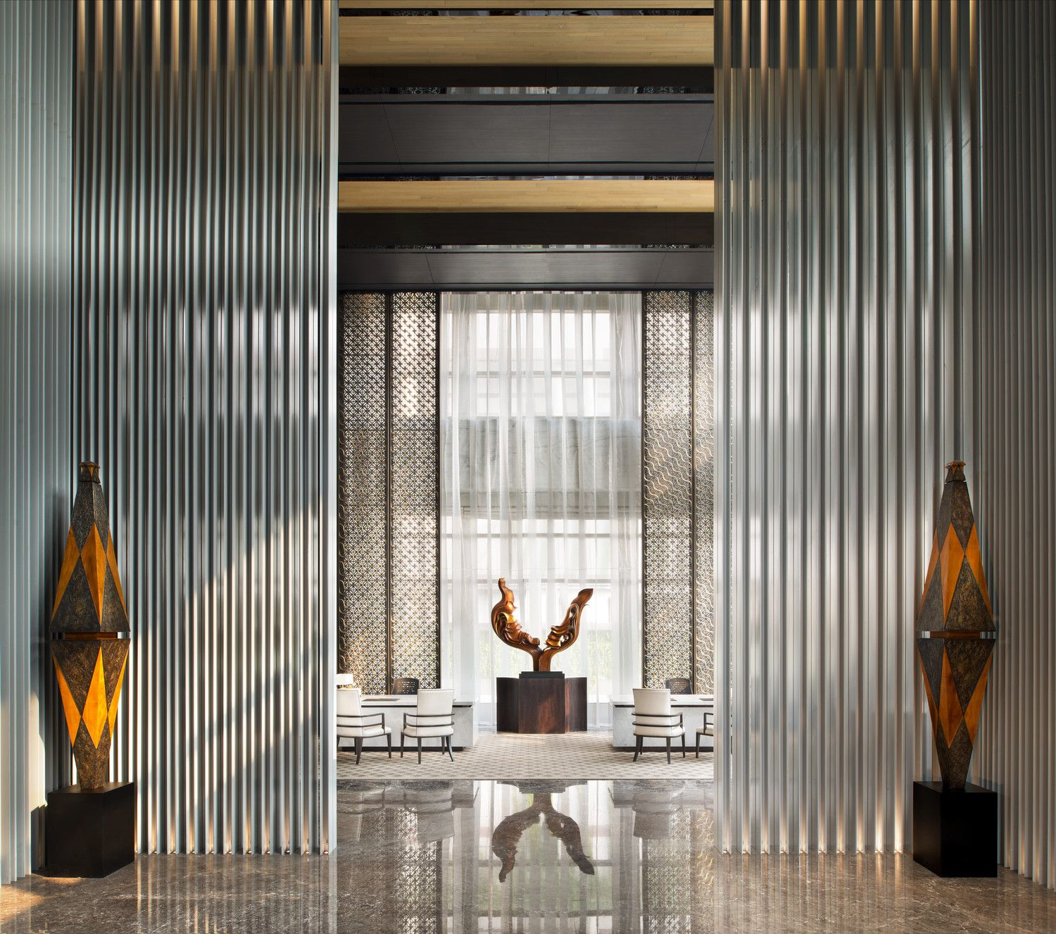Reception desk keraton at the plaza a luxury collection for Design hotel jakarta