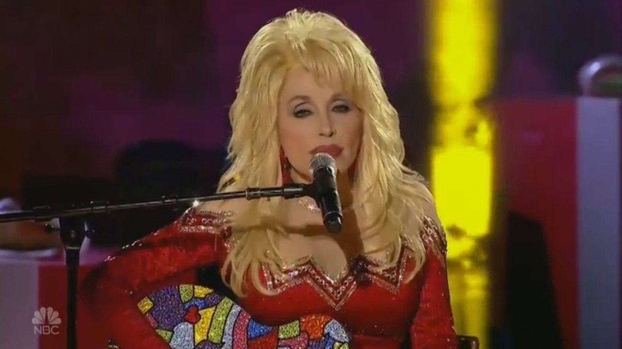 Dolly Parton - Christmas of many colors | christmas songs ...