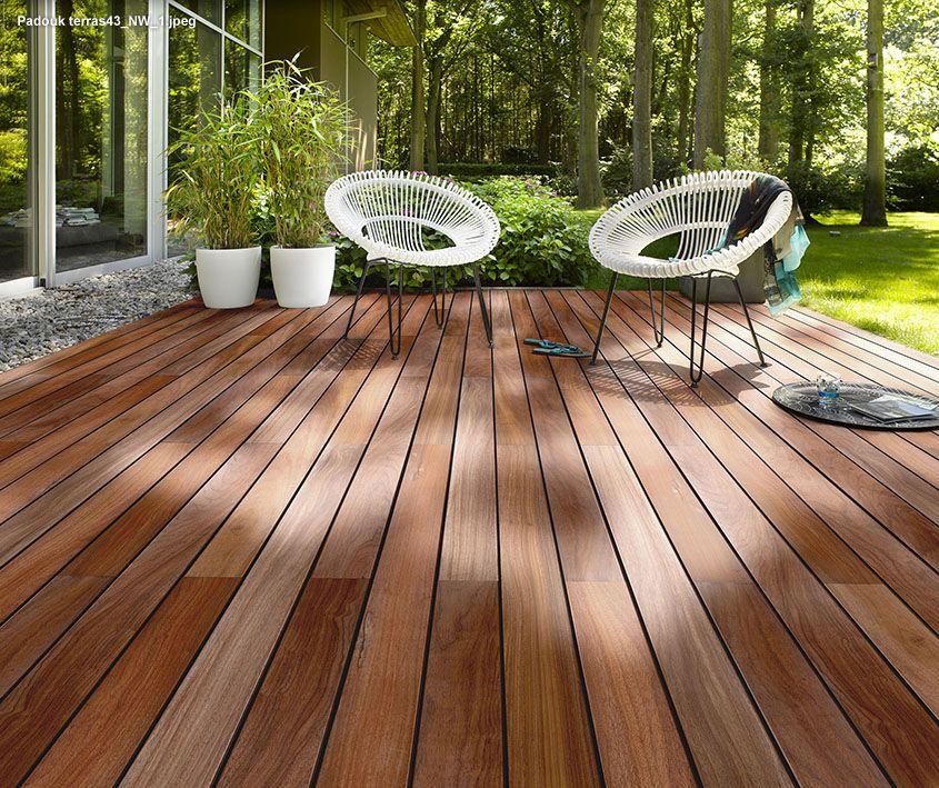 Terrasplanken in tropisch hout en naaldhout tuin pinterest terrasplanken tropisch en hout - Zwembad terras hout photo ...