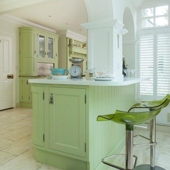 Küchen Küchenideen Küchengeräte Wohnideen Möbel Dekoration Decoration Living Idea Interiors home kitchen - Grüne Shaker-Stil Küche mit Insel