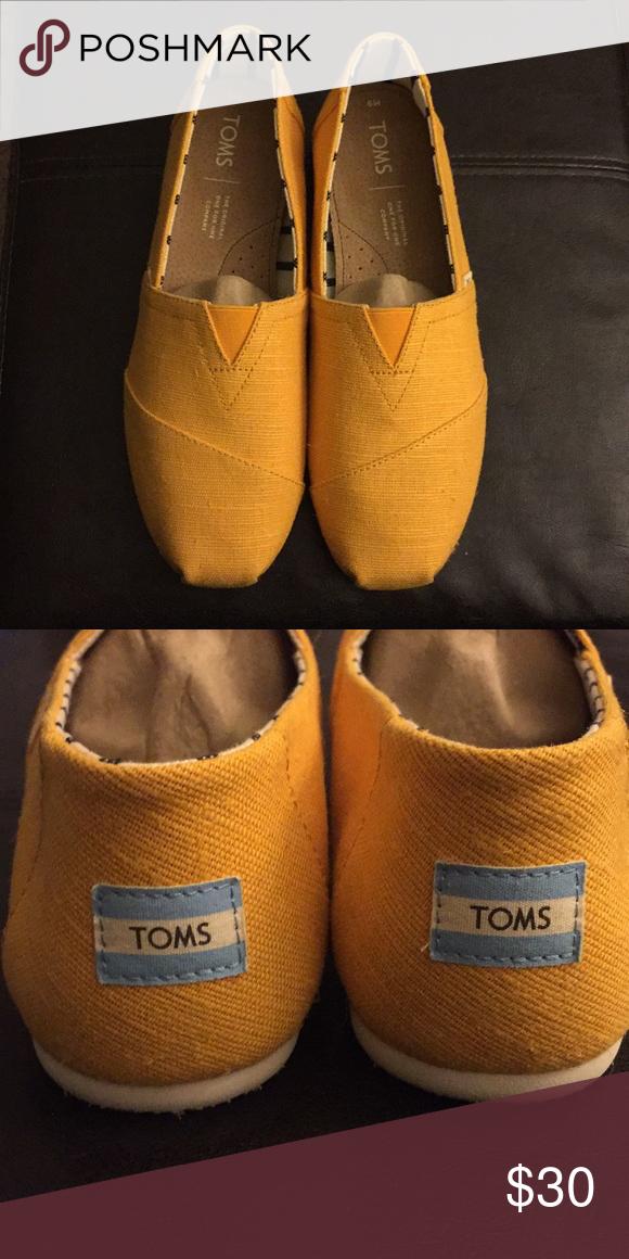 dc8219de169 TOMS Venice collection Yellow TOMS alpargatas Men s 9 Toms Shoes Loafers    Slip-Ons