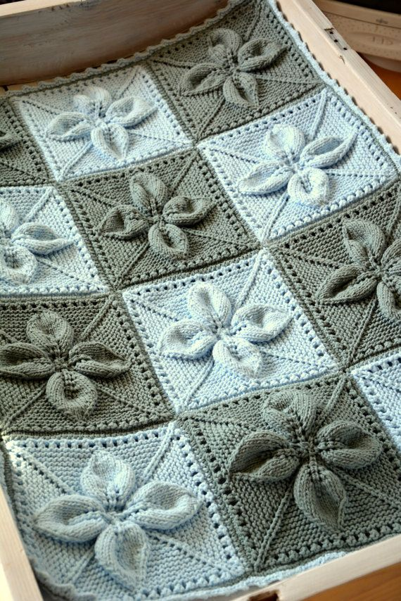 Babyblanket.Hand knitted baby blanket – blue and grey. For babygirl or babyboy. Babyshower gift