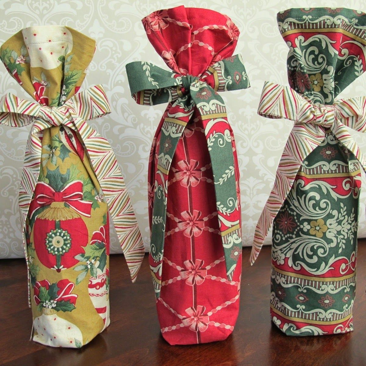 Tie Dye Diva Patterns Christmas In July Fabric Wine Gift Bag Tutorial Wine Bag Pattern Wine Gift Bag Christmas Sewing Projects