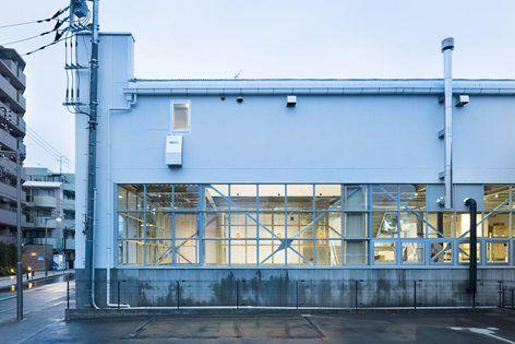 Blue Bottle Coffee KiyosumiShirakawa Rostery Cafe, Tokyo, 2015 - Schemata Architects