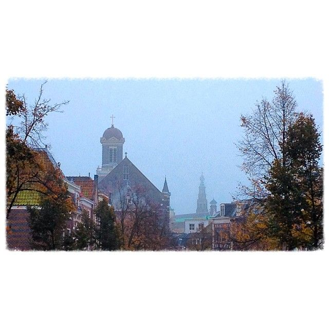 #Leiden, the #cityhall and the #Marekerk #church emerging from the #fog