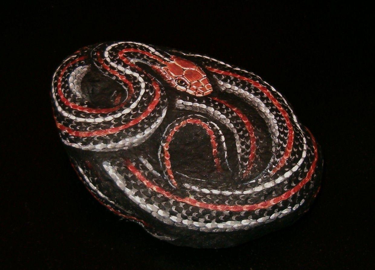 Hand painted rock art san francisco garter snake - Peinture effet serpent ...