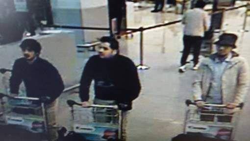 Suspects of the terrorist attacks in Zaventem (Belgium)  De foto werd eerder al door een politiedienst getwitterd terwijl die enkel diende voor intern ...