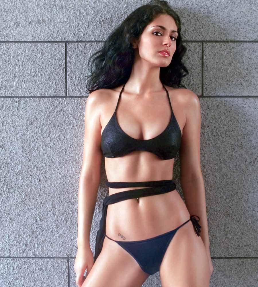 Bruna abdullah hot back bruna abdullah in short dress bruna abdullah - Bruna Abdullah