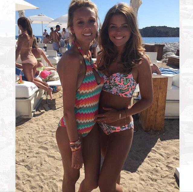 http://m.bouxavenue.com/south-pacific-floral-longline-bikini-top-neon-coral/400322-50nc