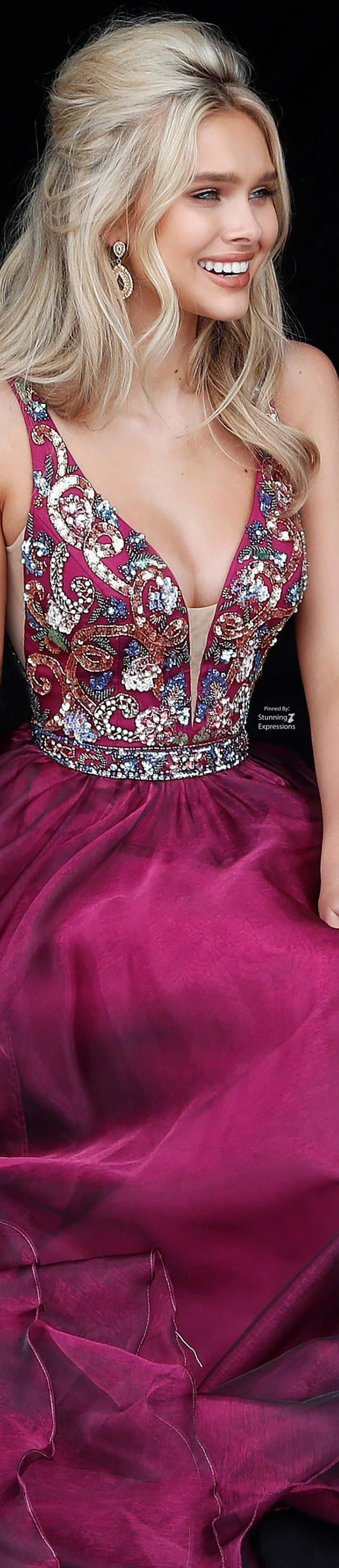 Pin by lucia on vestidos de noche pinterest prom gowns and