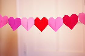 Make a solid-color origami heart garland