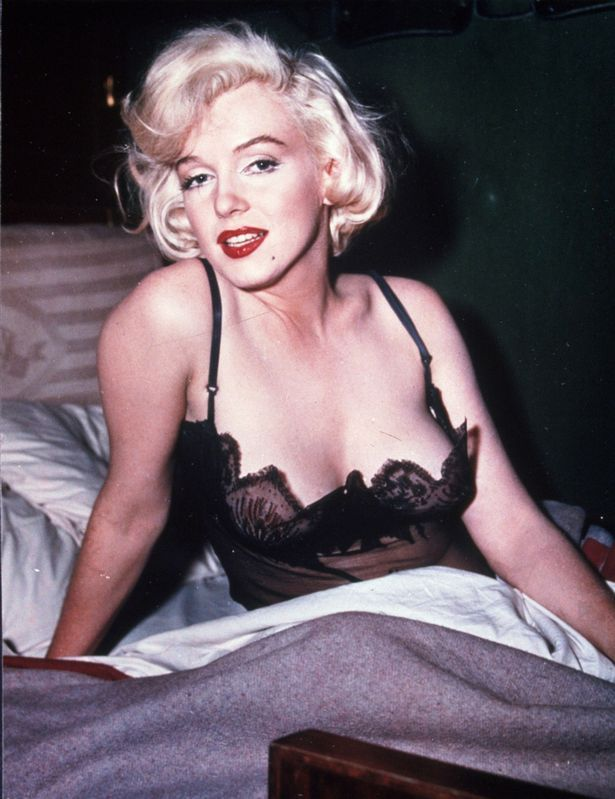 Marylin monroe some like it hot sex scene