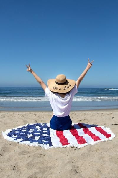 Round Beach Towel American Flag Product Description
