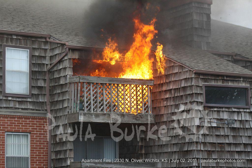 Apartment Fire Wichita Ks Fire Photography Fire Lamp Post
