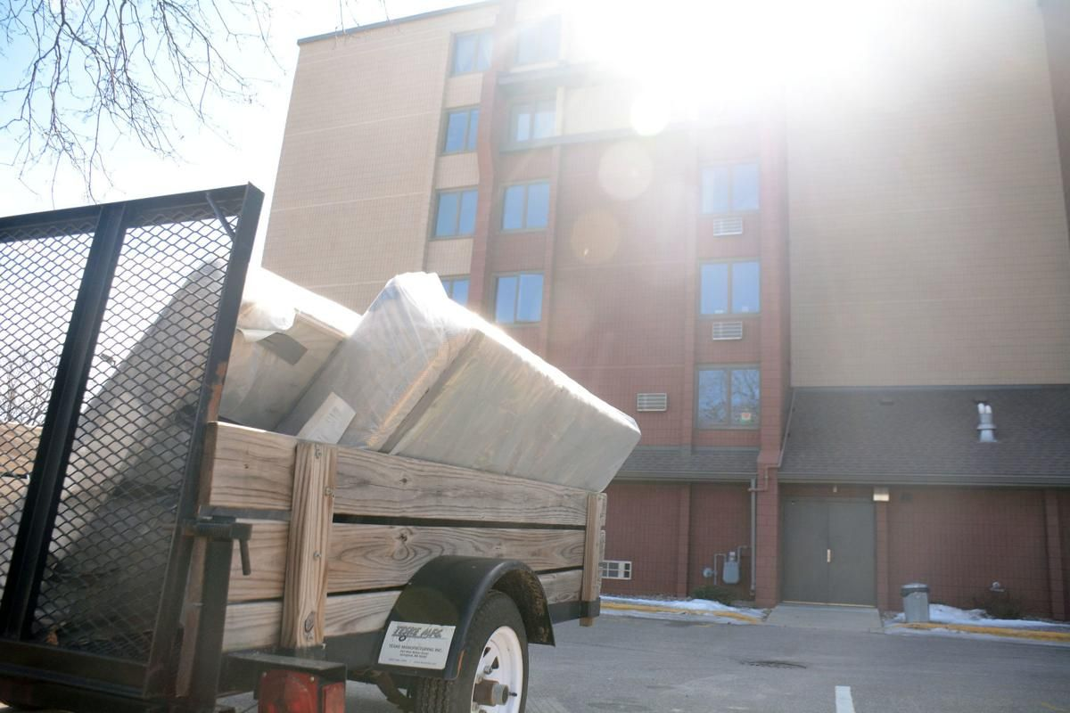 Cityowned apartment complex deals with bed bug