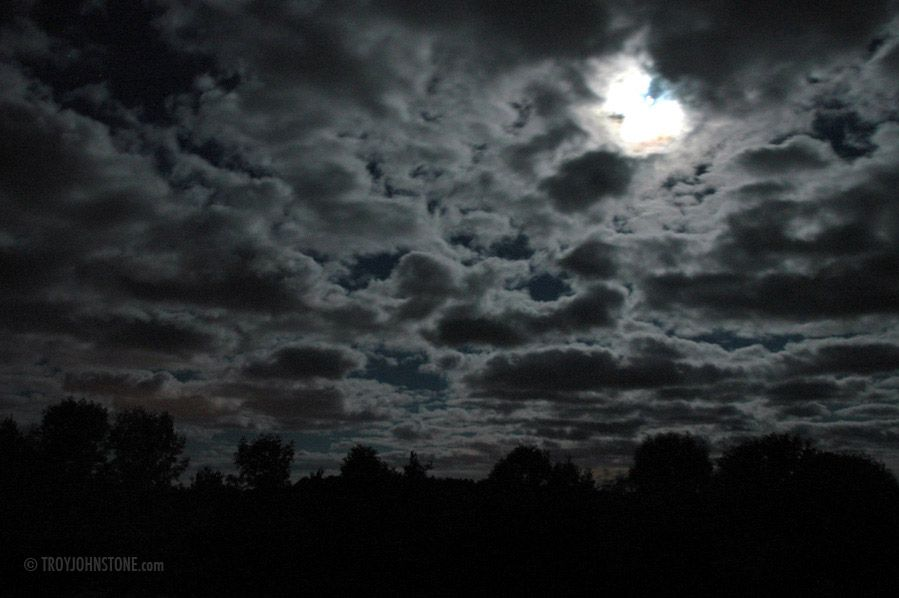 clouds at night.. one of my favorite things in the world. | Sky and clouds,  Clouds, Nature photography