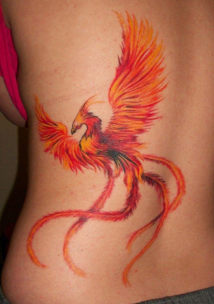 Tatouage phoenix femme – signification emplacements et idées en images