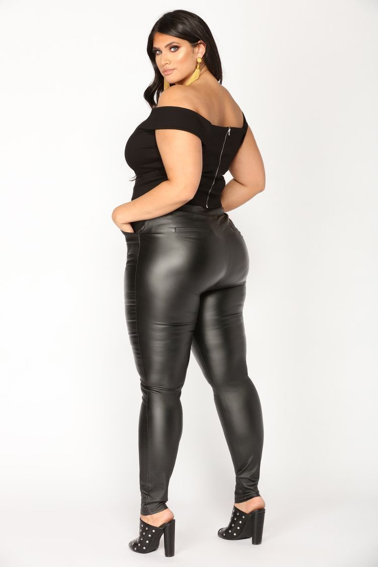 14e5cff3a Latecia Thomas Curvy Women Outfits, Big Thighs, Tights Outfit, Plus Size  Beauty,