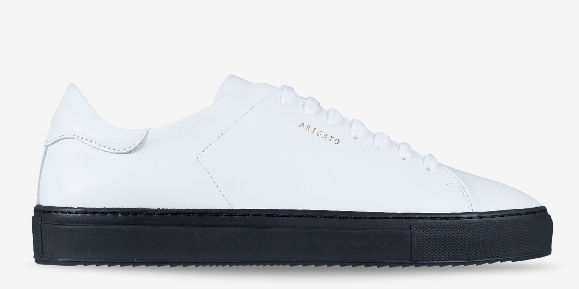 axel arigato black sneakers