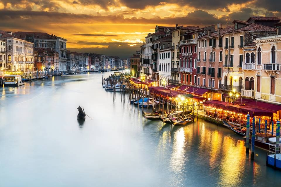 The Grand Canal in Venice looks like a painting come to life! Add this majestic place in your bucket list at: mylifebucket.com