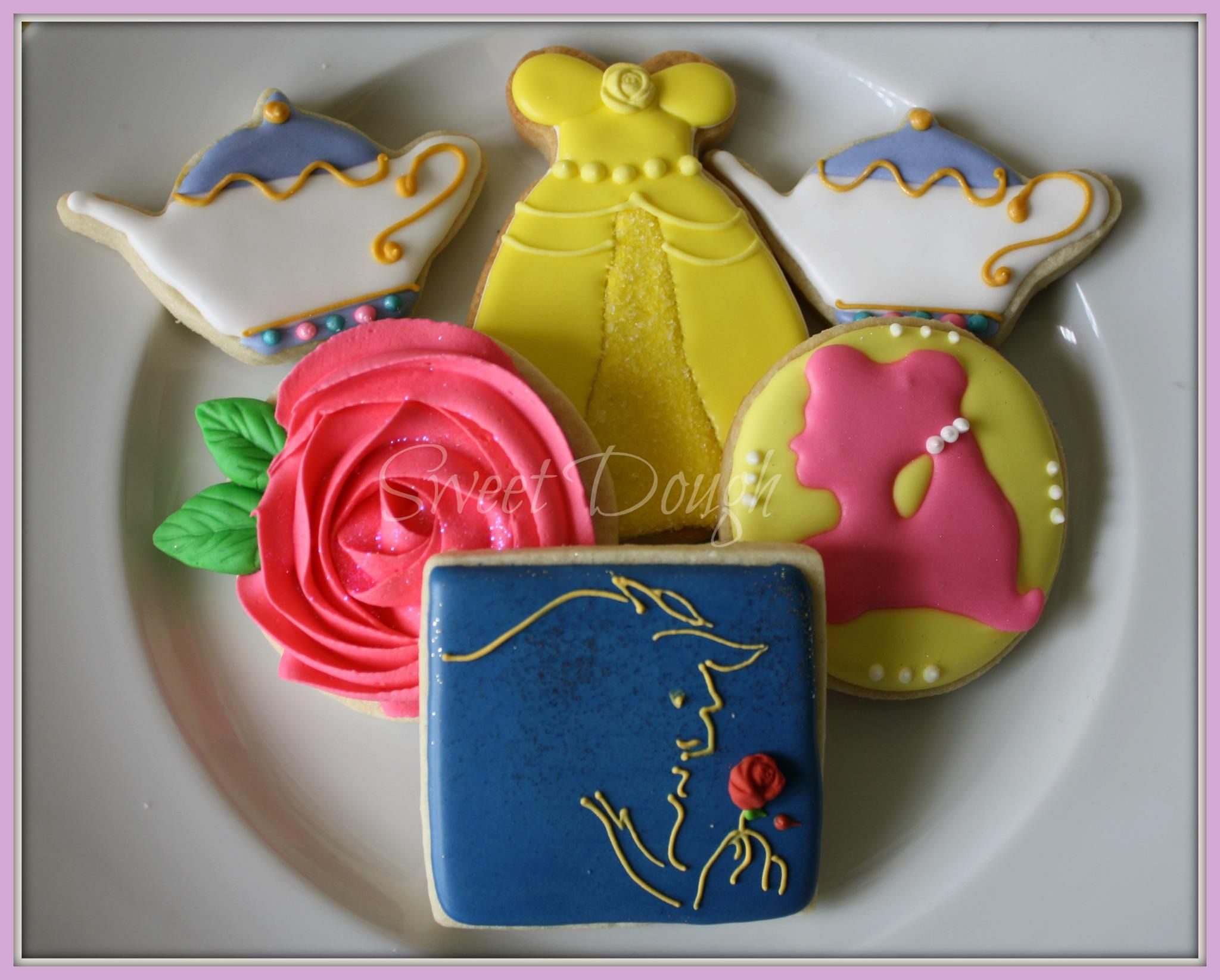 Galletas Decoradas De Princesas Beauty And The Beast Cookies By Sweet Dough Galletas