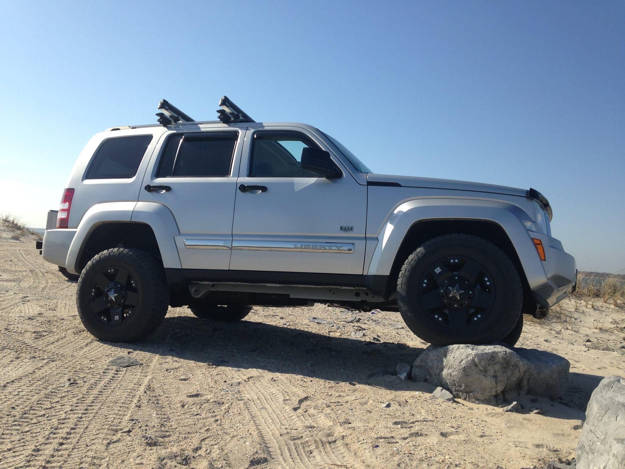 2011 Jeep Liberty Limited 17 8 Kmc Xd 775 Rockstar Wheels 265 65