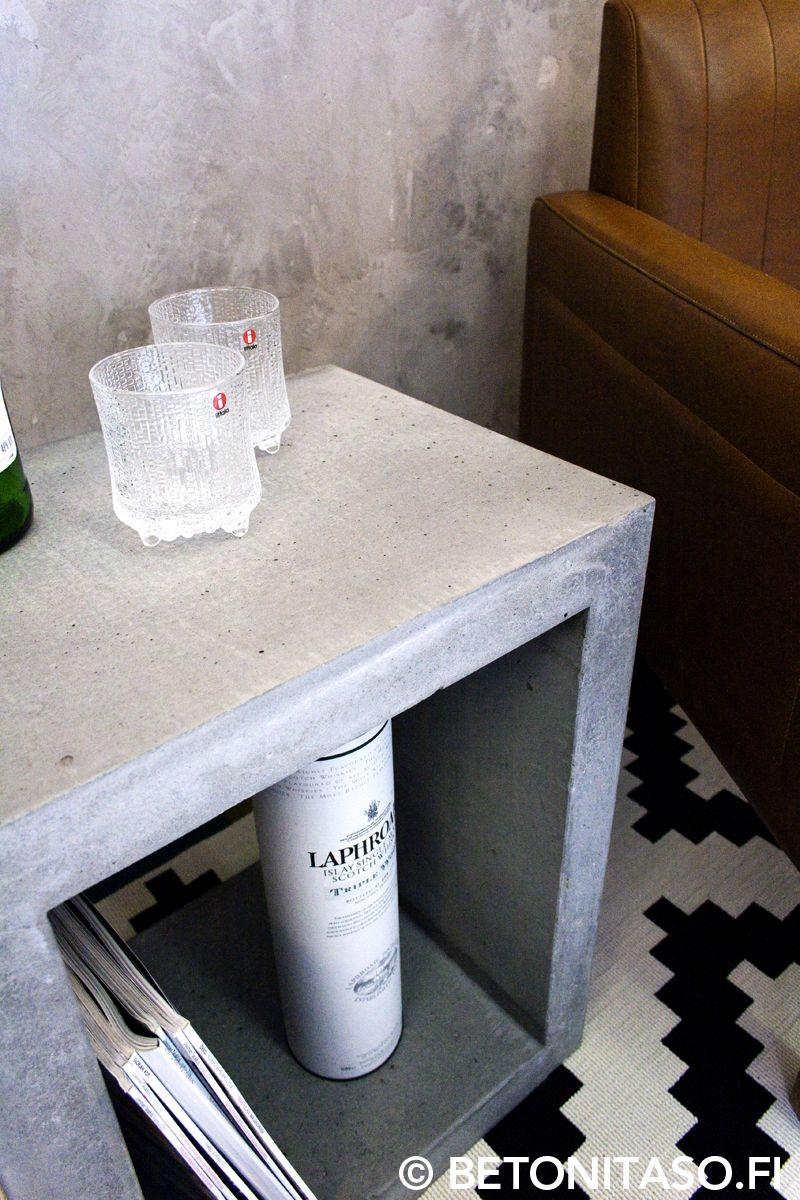 Betoninen pikkupöytä vaikka yöpöydäksi