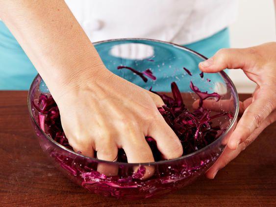 Rotkohlsalat - Grundrezept und tolle Varianten  LECKER #ketomealplan