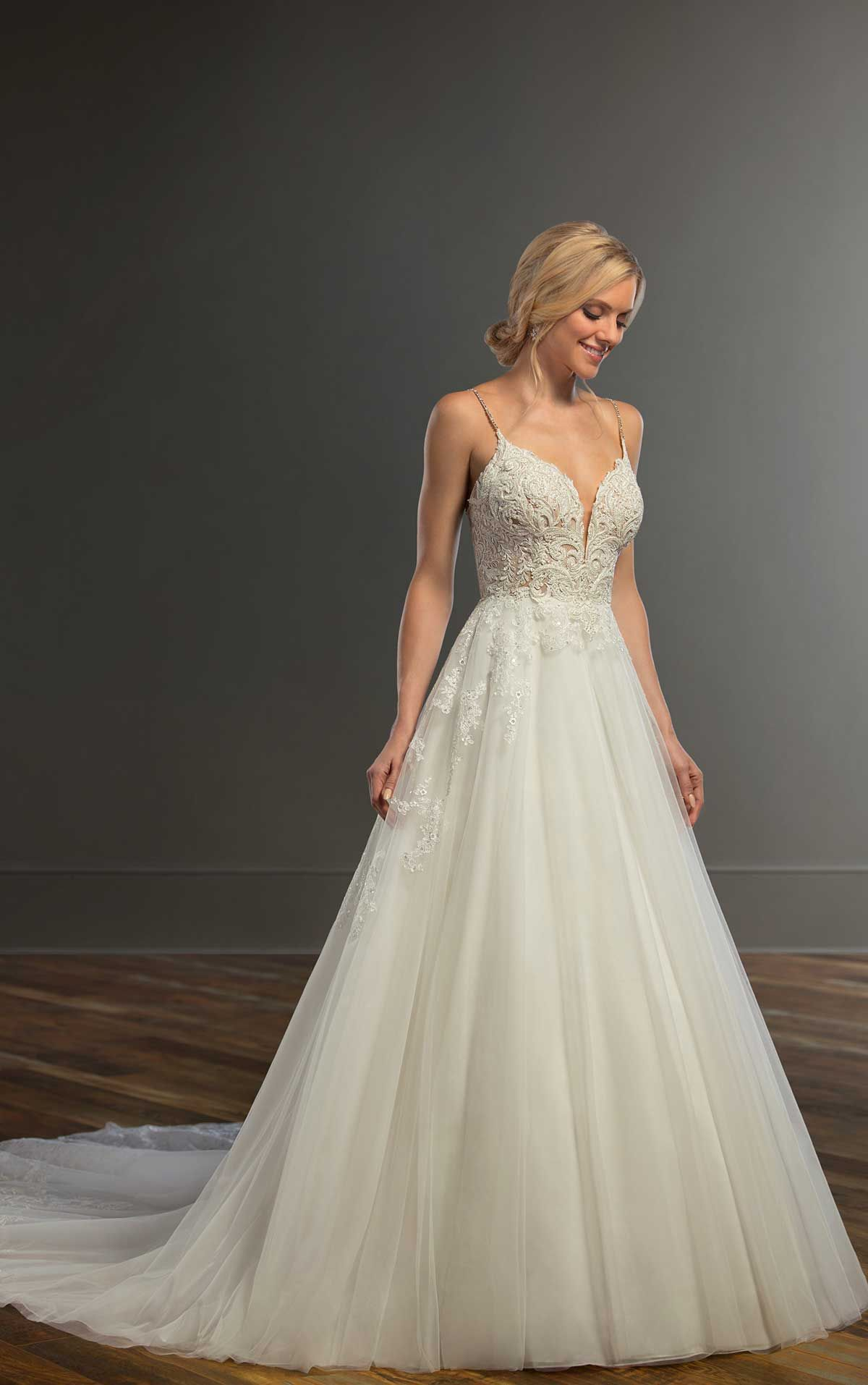 Romantic Princess Style Wedding Gown