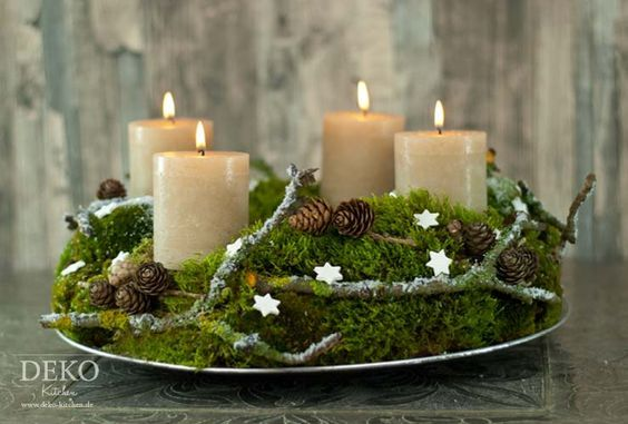 diy adventskranz aus naturmaterial mit moos zweigen deko kitchen deko kitchen weihnachten. Black Bedroom Furniture Sets. Home Design Ideas